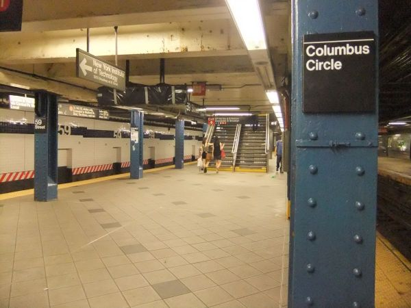 Man viciously beaten, robbed inside subway station
