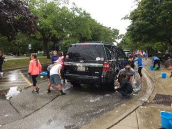 HMS Hosts Car Wash to Benefit Flood-Affected Louisiana ...