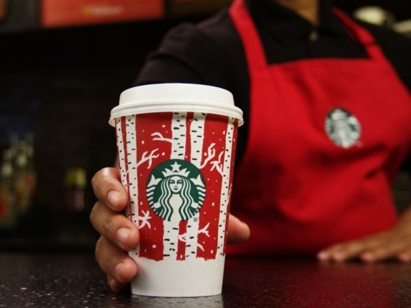Starbucks will give away some free drinks for the rest of 2016