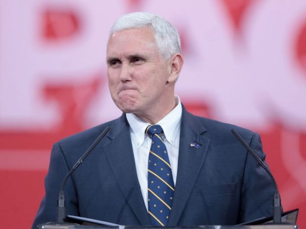 Pence Praises Debater Trump, Squelches Talk of Quitting Ticket