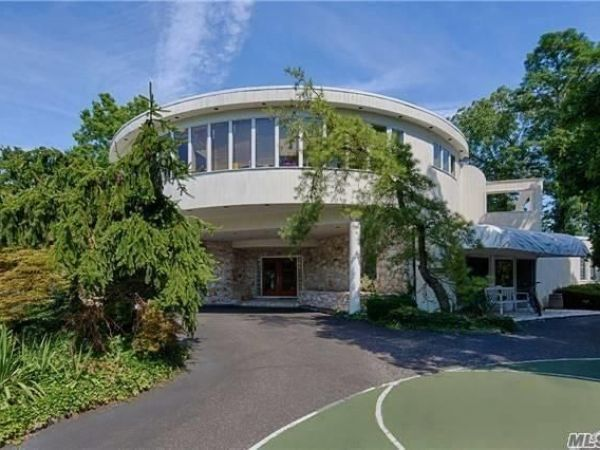 Wow House Contemporary Home With Private Tennis Court Swimming Pool Great Neck Ny Patch