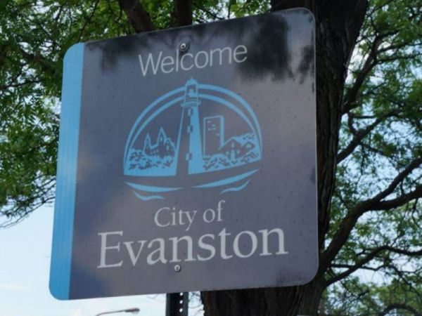 Free Parking Offered In Evanston During Holiday Season