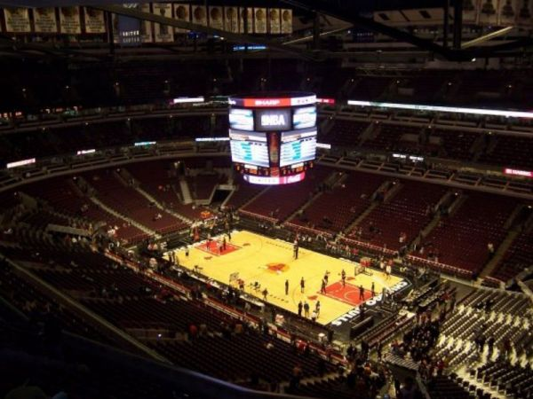 Bulls Sign 17-Year-Old Fan Who Suffered Liver Failure