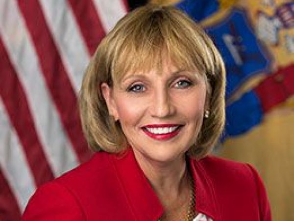 With Christie's legacy looming, Guadagno joins 2017 campaign