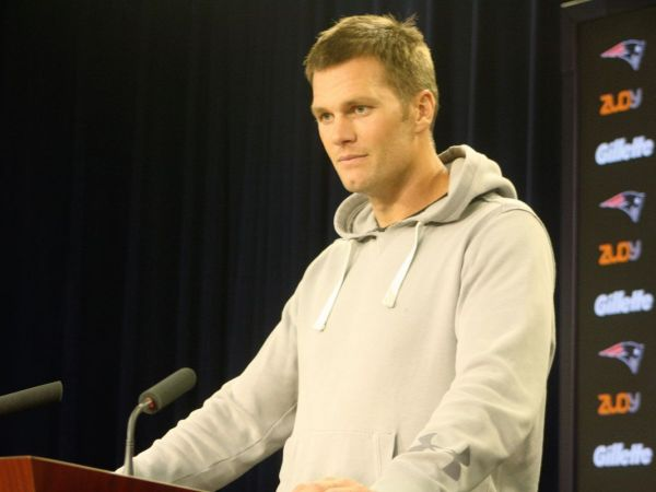 Tom Brady Absent From Patriots Practice, While Rob Gronkowski Participates