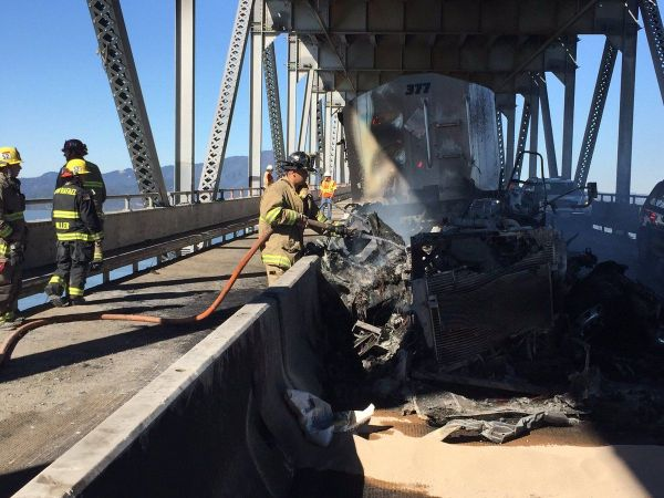 Big rig fire shuts down Richmond-San Rafael Bridge