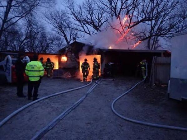 Fire blotter garage blaze wreath fire labor in saint paul saint paul mn patch for Rangements garage saint paul