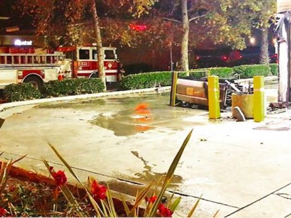 Mercedes slams into gas pump in lake forest ocfa says for Mercedes benz lake forest