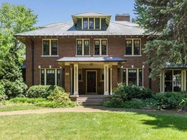 Wow House 1923 Colonial Brick Home In Royal Oak Royal