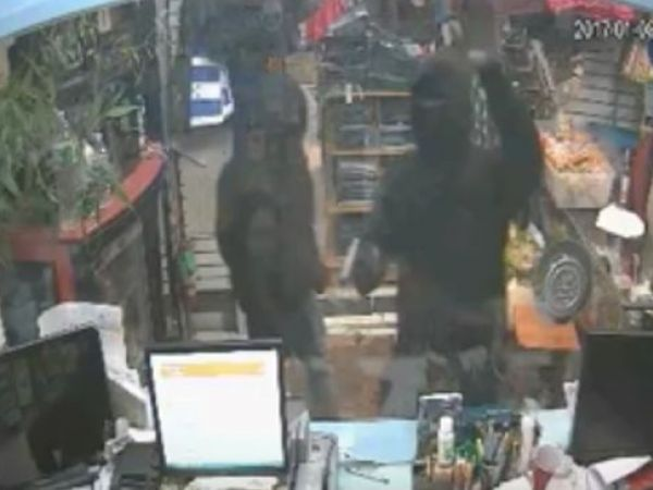 Thieves steal $65K from Queens check-cashing shop, attack employee