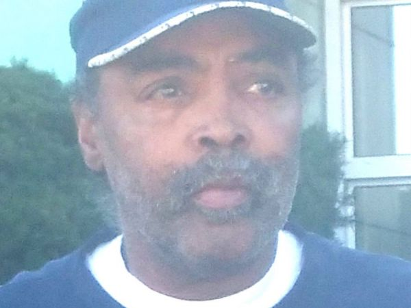Nassau Police Searching for Missing Man with Dementia
