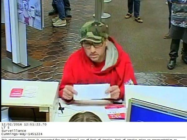 Arkansas officer fatally shoots bank robbery suspect