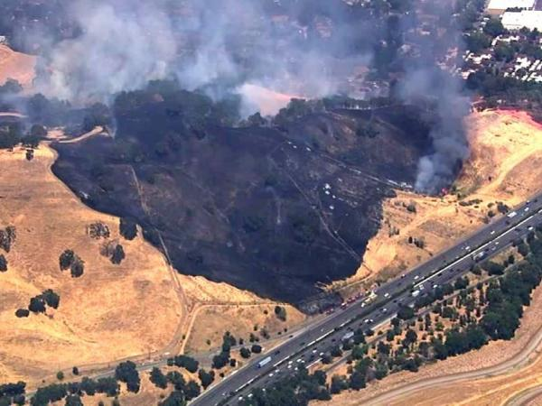 4 alarm fire in vacaville threatening homes updated for Vacaville weather