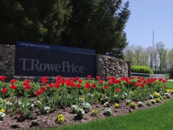 t rowe price executive announces retirement owings mills md patch. Black Bedroom Furniture Sets. Home Design Ideas