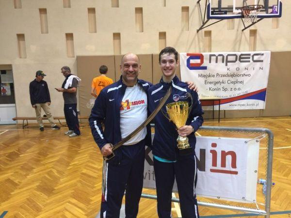 Ward Melville Fencer Danny Solomon Is No 1 Cadet Male