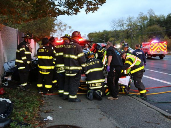 Mother And Daughter Killed 2 Hurt In Long Island Crash