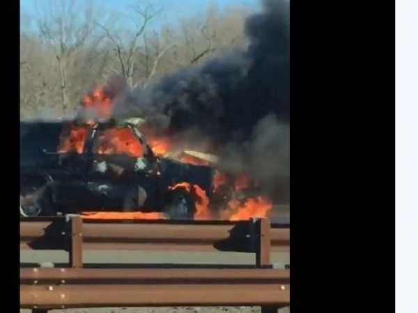 Victim Id 39 D In 39 Terrible 39 Fiery N J Parkway Crash 39 Burnt 39 Car Flips Catches Fire Video