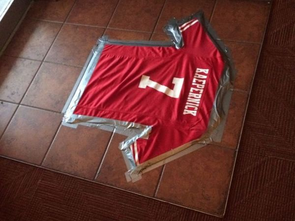 Restaurant Tapes Colin Kaepernick Jersey To Floor As Welcome Mat
