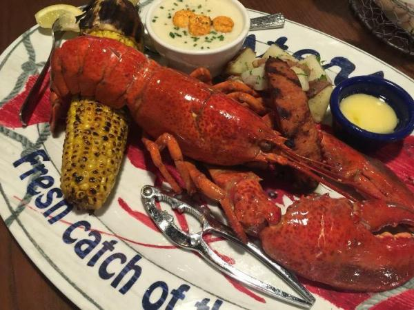 Top 10 seafood restaurants in ashburn ashburn va patch for Ford s fish shack