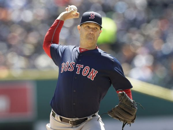 Bradley out of starting lineup for Red Sox, has MRI on knee