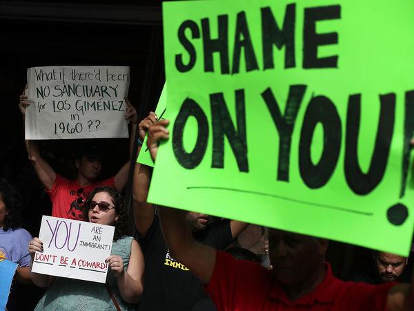 US judge blocks Trump's threat to withhold city funding