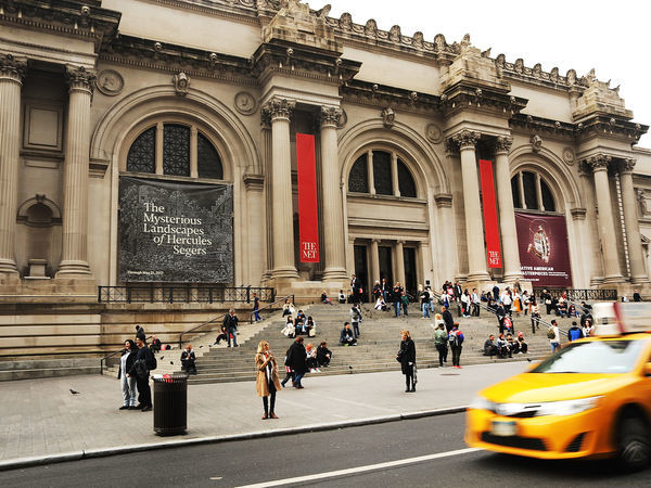 Met Museum May Start Charging Tourists Admission