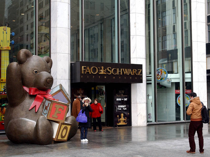 Fao schwarz plans return to midtown report says midtown fao schwarz plans return to midtown report says midtown manhattan ny children of new york city rejoice iconic toy store sciox Image collections