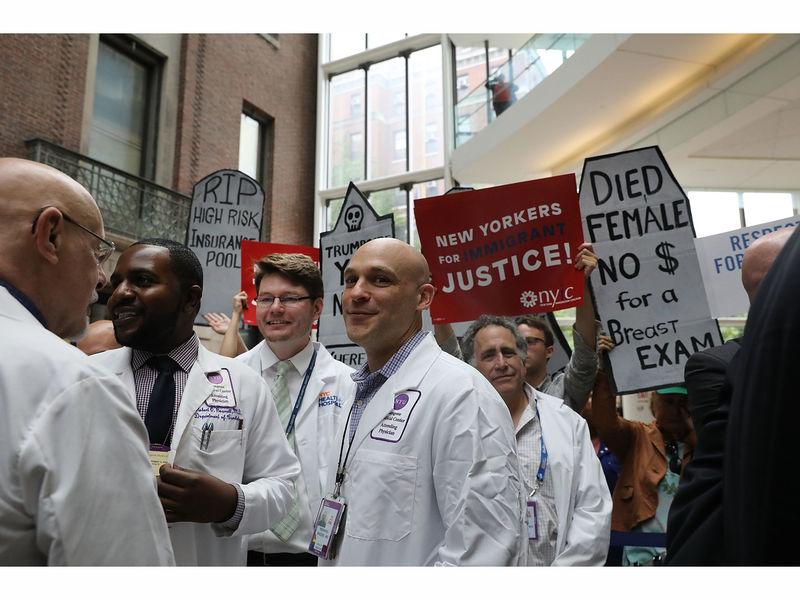 Senate Delays Health Care Vote As Republicans Abandon Bill ...