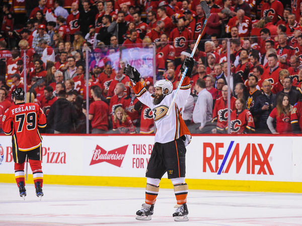 Ducks Douse Flames Anaheim Sweeps Calgary On Road To Stanley Cup 2017