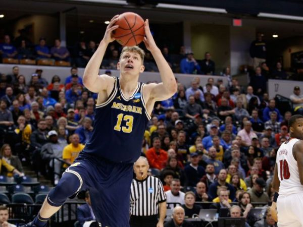 NCAA March Madness Basketball Tournament Oregon Up For Surging Wolverines