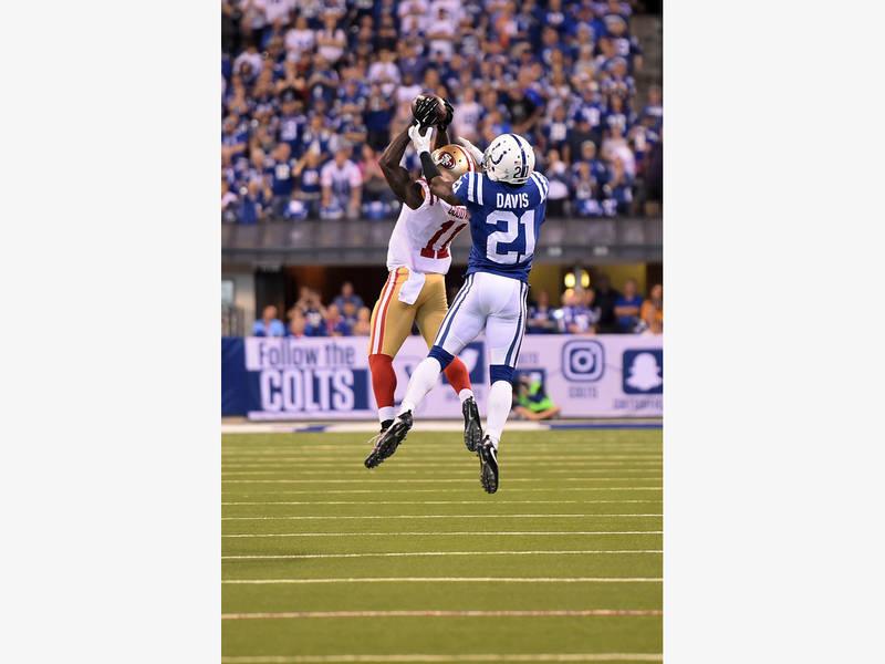 Former Colts Player Vontae Davis Quits NFL During Halftime Sunday ... 84df35b16
