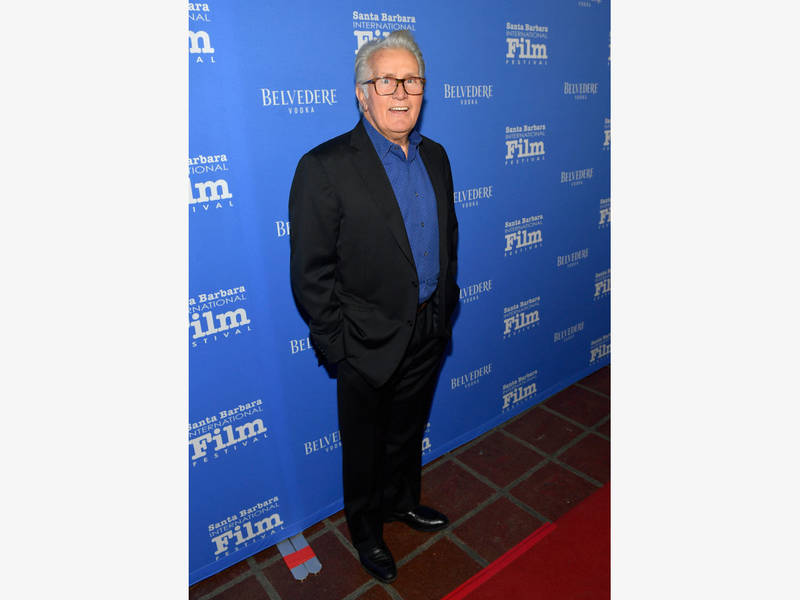 29528dbc7 Martin Sheen Found By News Crew After Charlie Tweets Amid Fire ...