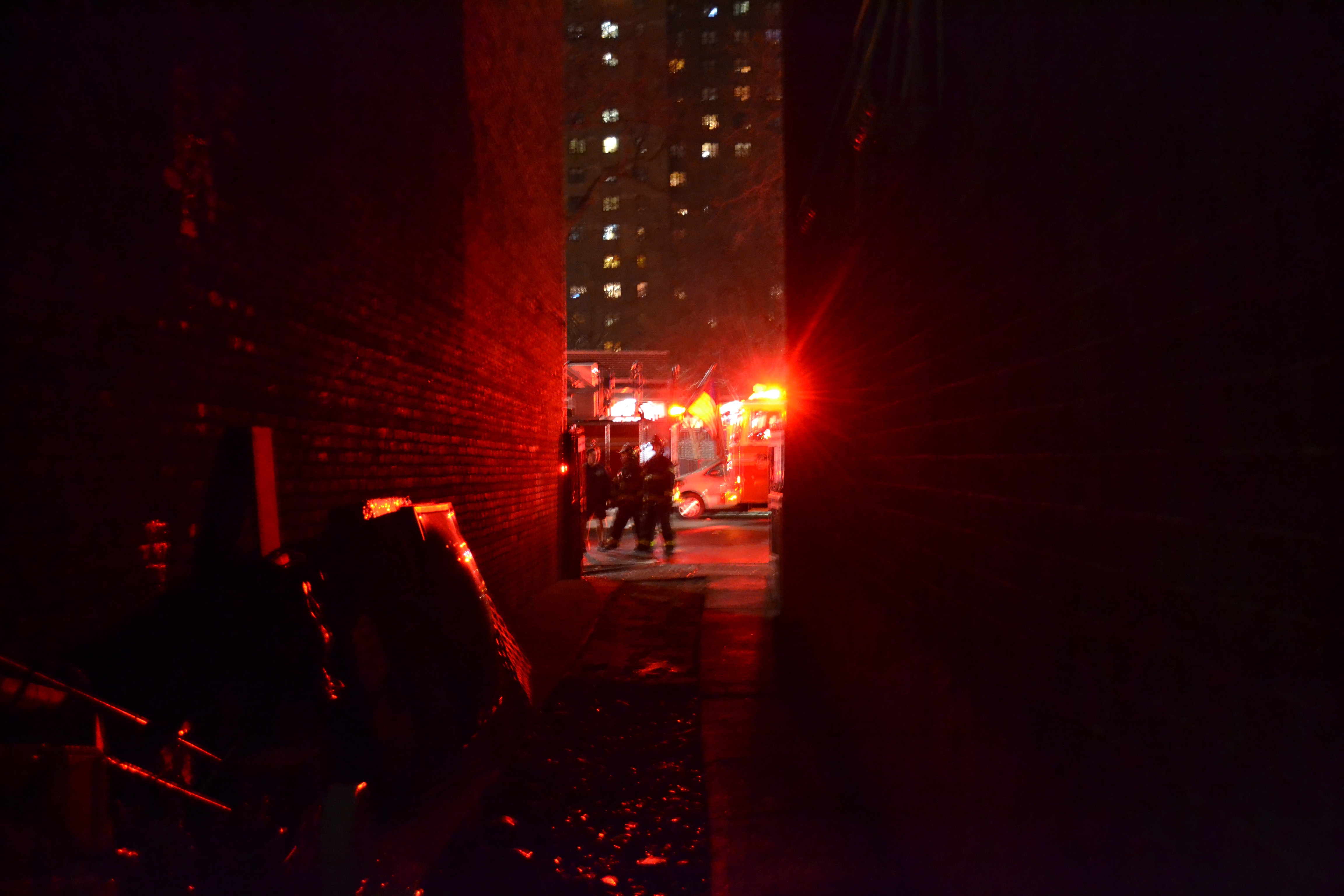 photos bed stuy fire tears through 3 story apartment building