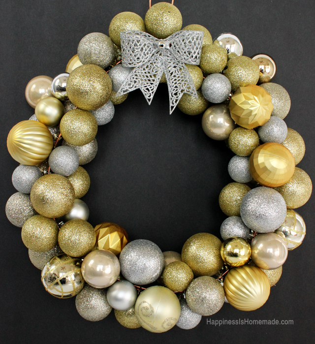 10 diy holiday wreaths that are deceptively easy to make new diy christmas ornament wreath tutorial solutioingenieria Images