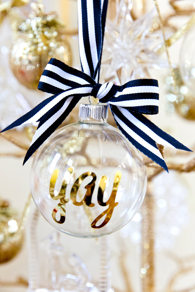 80 personalized christmas ornaments anyone can craft across personalized ornaments solutioingenieria Images