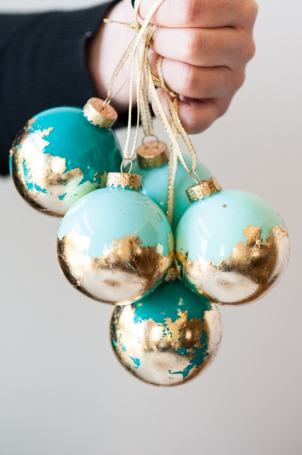 80 personalized christmas ornaments anyone can craft across diy painted gold leaf ornaments solutioingenieria Choice Image