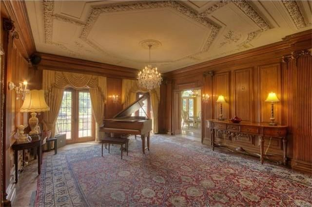 detroit wow  house  berry gordy jr  u0026 39 s motown mansion is