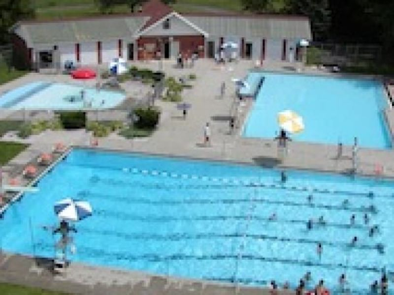 Willard Pool Bathhouse To Get New Roof Wethersfield Ct