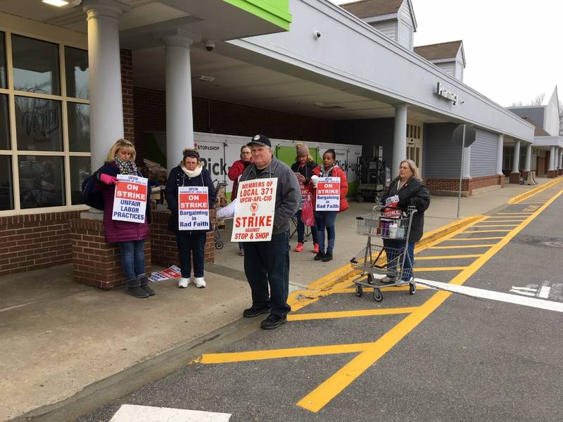 some ct stop shops open with limits amid day 2 of strike vernon ct patch. Black Bedroom Furniture Sets. Home Design Ideas