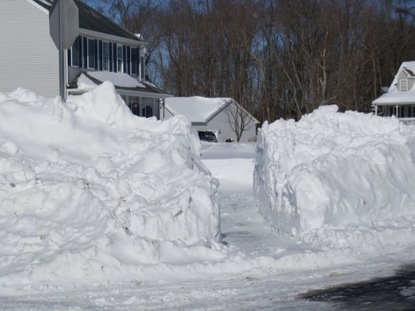 Not to be caught unawares, NY preparing for Monday blizzard