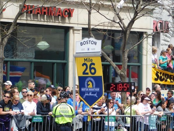 First Woman to Officially Run Boston Marathon Makes Triumphant Return