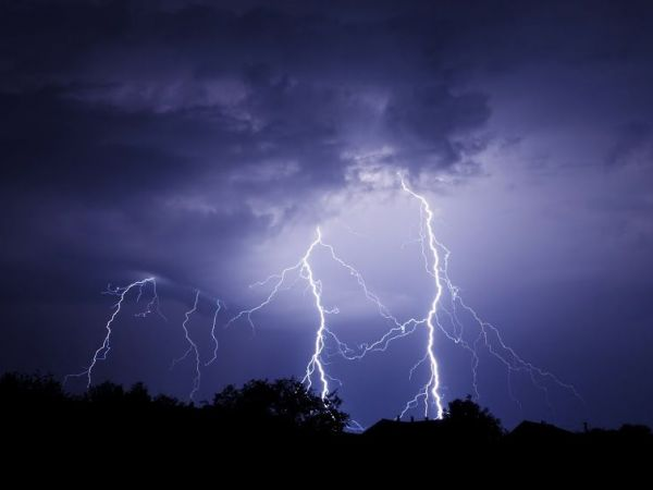 Thunderstorms And Tornadoes modren thunderstorms and tornadoes are not uncommon especially in