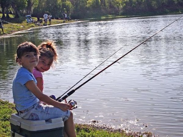 License free fishing weekend arrives in florida land o for How much is a florida fishing license