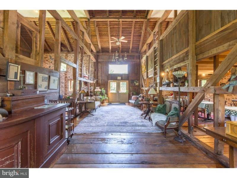 For Sale Pearl S Buck S Former Farm With 10 Bedroom Barn