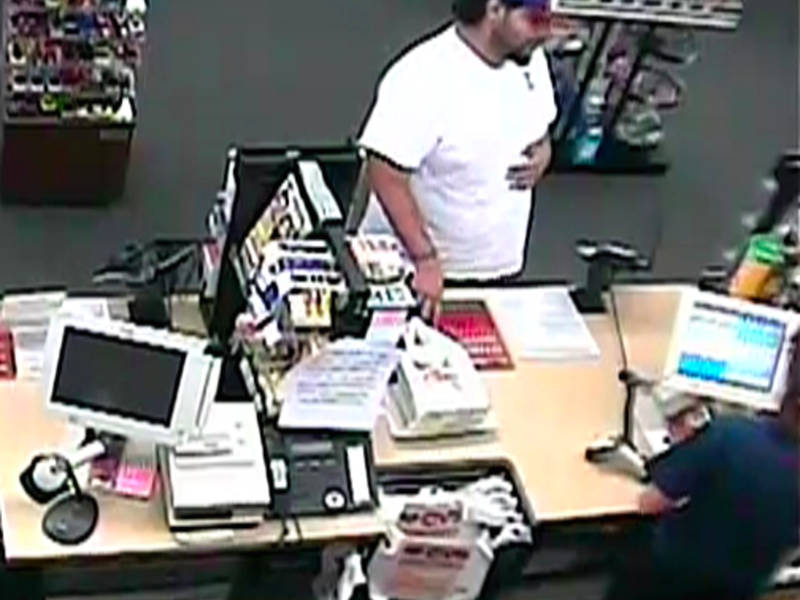 man tried to pass counterfeit 100 bill at newtown cvs police