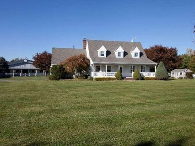 Beautiful jamesport horse farm on the block riverhead for Dream home ny
