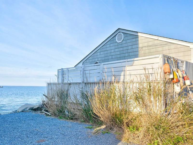 Wow House: Waterfront Beach Cottage On Long Island Sound