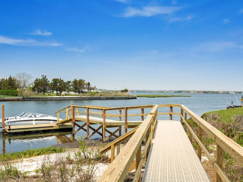 'Record-Breaking' $6.4 Bayfront Home Sale On Dune Road