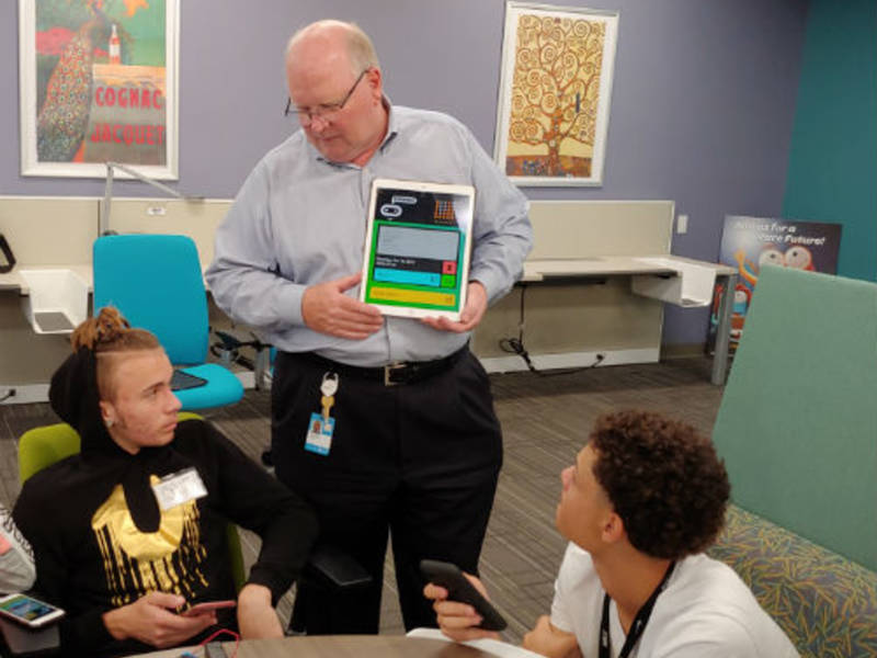Pinellas Students Earn Stem Skills At At Amp T Hacemos High