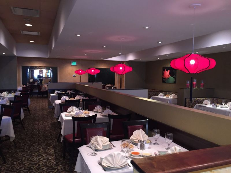 Joey chiu 39 s restaurant in greenspring station undergoes for Q station dining room